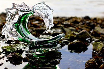 david_wight_glass_art_tsunami_green_main