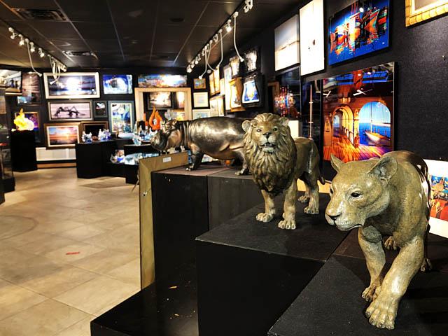 Wyland Gallery Sarasota - Art Gallery on Lido Key - Wyland Bronze Sculptures Endangered Wildlife Series