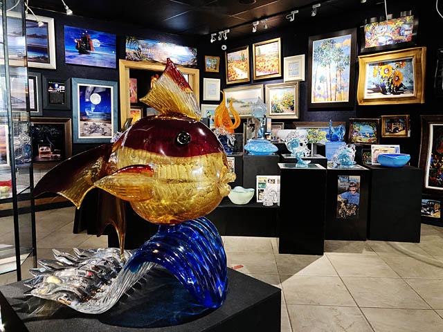 Wyland Gallery Sarasota - Art Gallery on Lido Key - Glass Art