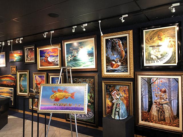 Wyland Gallery Sarasota - Art Gallery on Lido Key - Michael Cheval Art